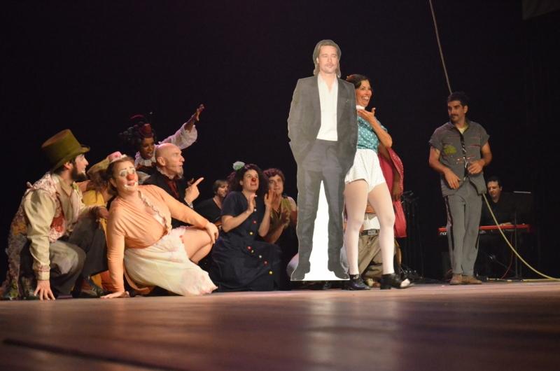 Circo Varieté: barriga mágica e buquê de couve-flor