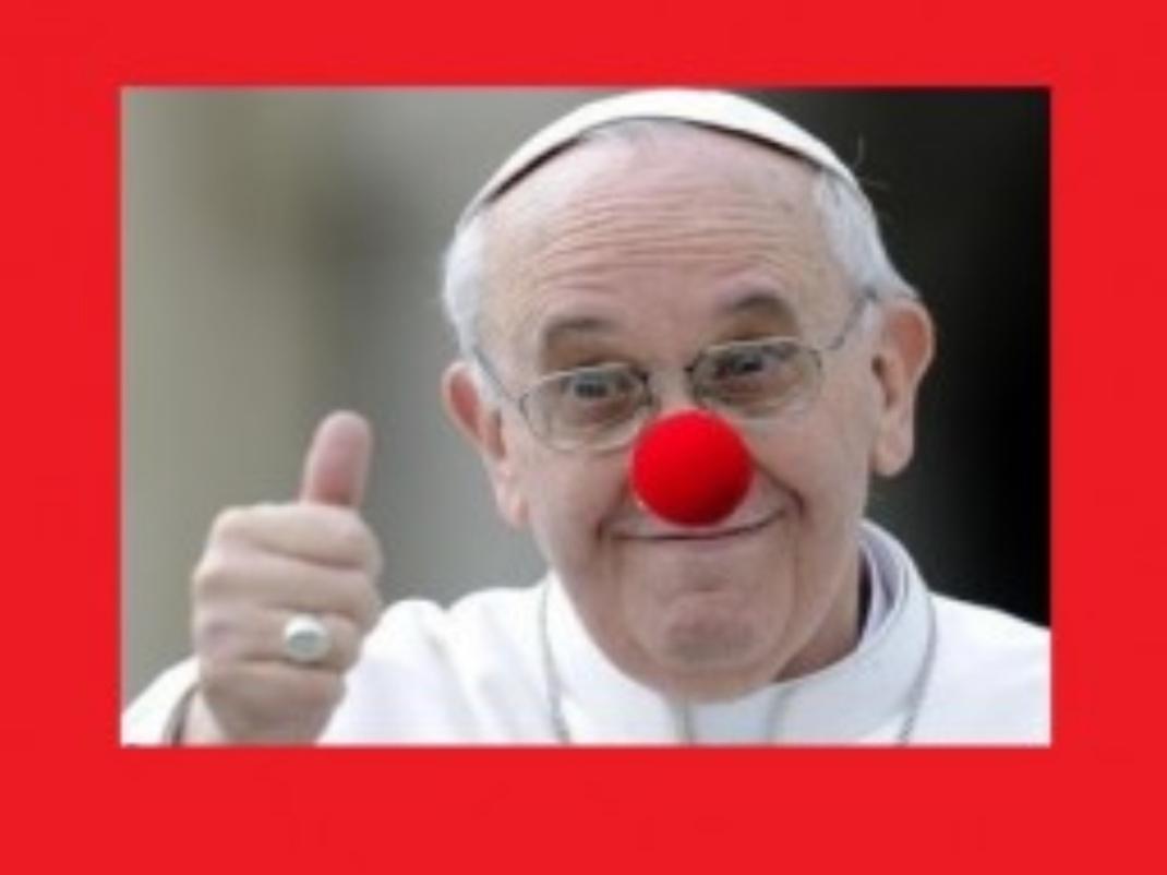 Com a foto do Papa Francisco, que colocou o nariz de palhaço para brincar com os artistas na Praça São Pedro, Panis & Circus deseja a todos um Feliz Natal