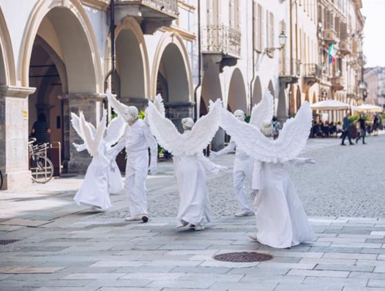 Festival de Mirabilia, na Itália, encanta